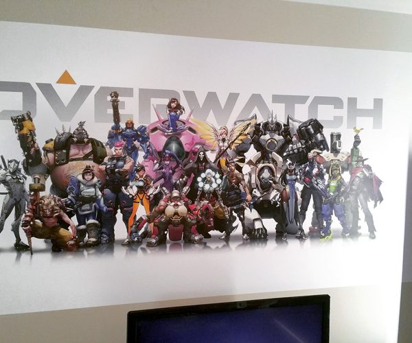 Overwatch-Close-Up-600x500 Completed Projects | Wallpaper Prints